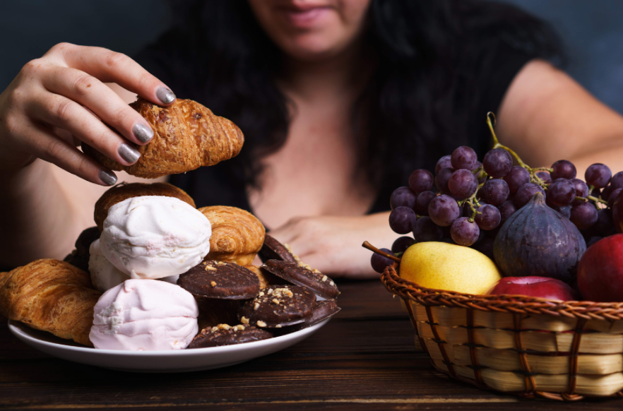 Emotional Eating: Spotting the Warning Signs for an Eating Disorder